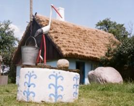 Obrazek przedstawiający studnię ze Skansenu Niebowo