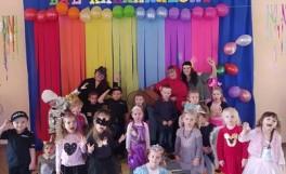zdjęcie całej grupy dzieci